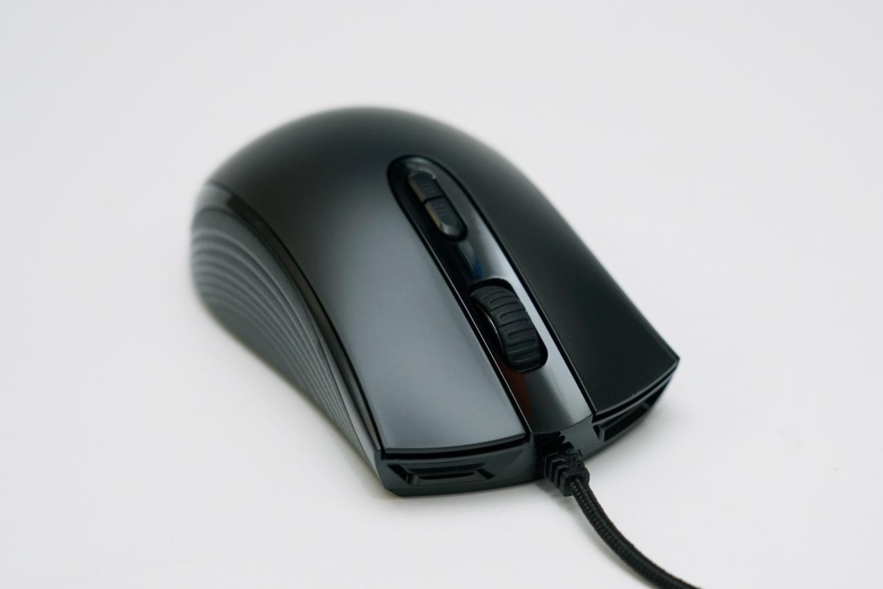 HyperX Pulsefire Core 電競滑鼠 對稱設計極佳手感 RGB燈效美學